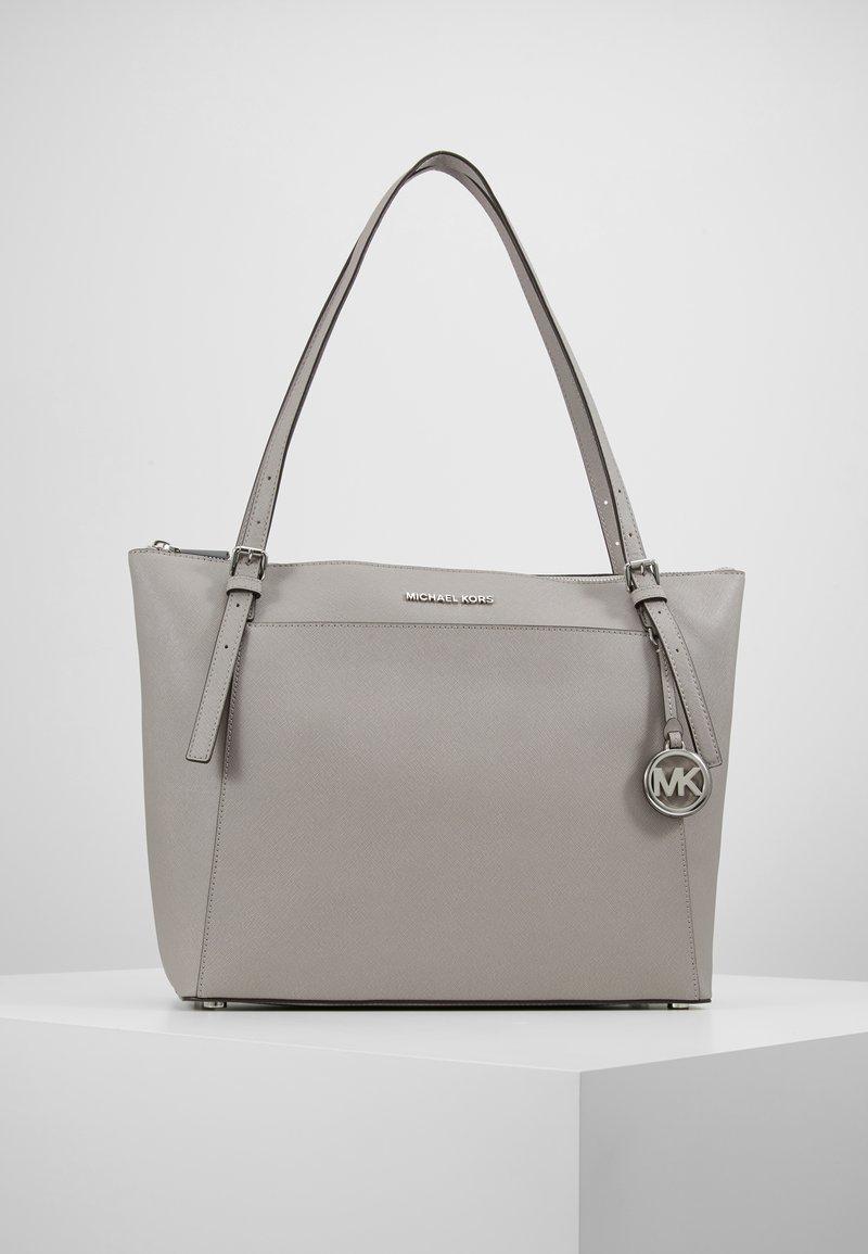MICHAEL Michael Kors - VOYAGER TOTE - Handbag - pearl grey