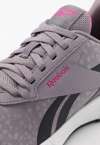Reebok - LITE PLUS 2.0 - Zapatillas de running neutras - grey/white/pink - 5