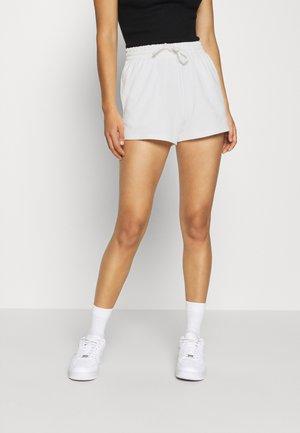 ABBIE - Shorts - offwhite
