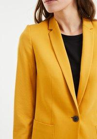 WE Fashion - REGULAR FIT - Blazer - mustard yellow - 3