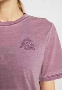 Mons Royale - SUKI TEE GARMENT - T-shirt imprimé - vintage eggplant - 5