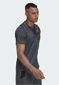 adidas Performance - HB TRAIN T M - Print T-shirt - grey - 2