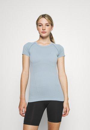 MOMENTUM TEE - T-shirt basic - blue star