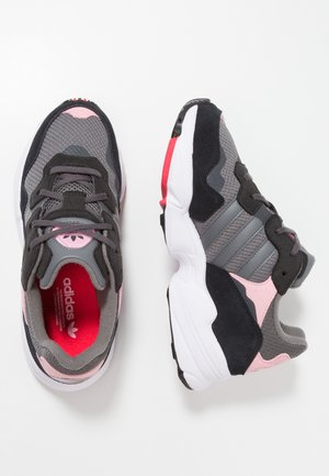 YUNG-96 - Sneakers - grey four/grey five/light pink