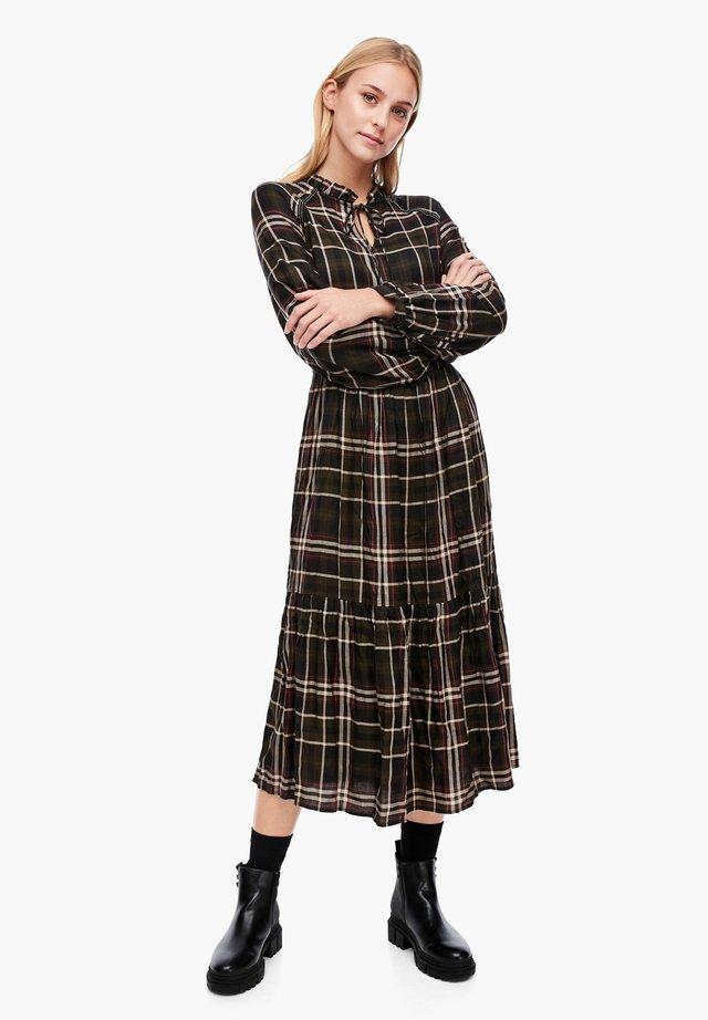 MIT GROSSEM KAROMUSTER - Day dress - khaki check