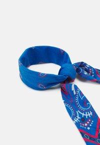 Mennace - PAISLEY PRINT BANDANA UNISEX - Foulard - blue - 1