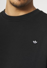 adidas Originals - CREW UNISEX - Sweatshirt - black - 4