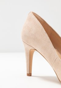 Clarks - LAINA RAE - Klassiske pumps - blush - 2