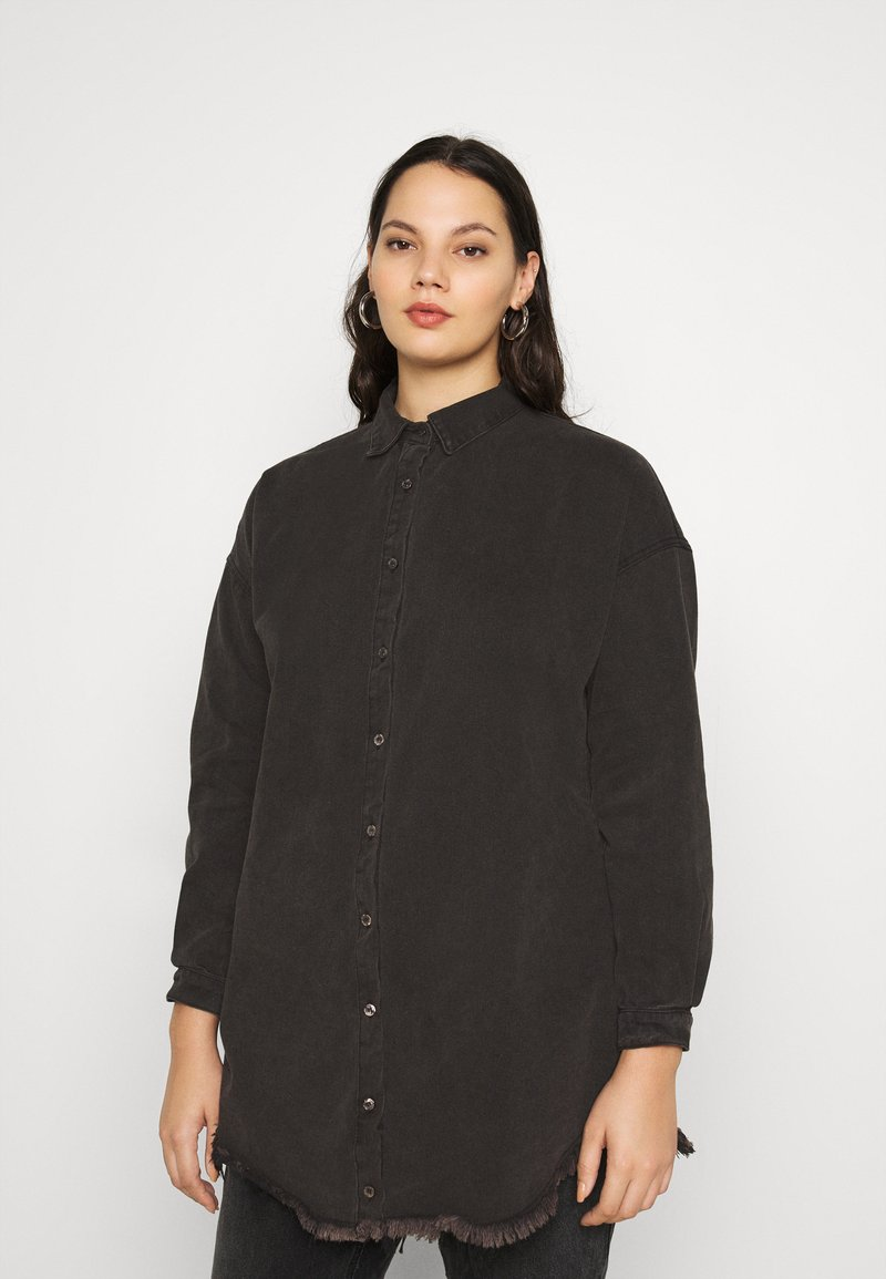 Missguided Plus - OVERSIZED - Button-down blouse - black