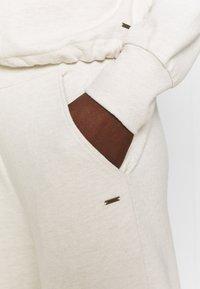 O'Neill - SOFT TOUCH - Teplákové kalhoty - birch - 4
