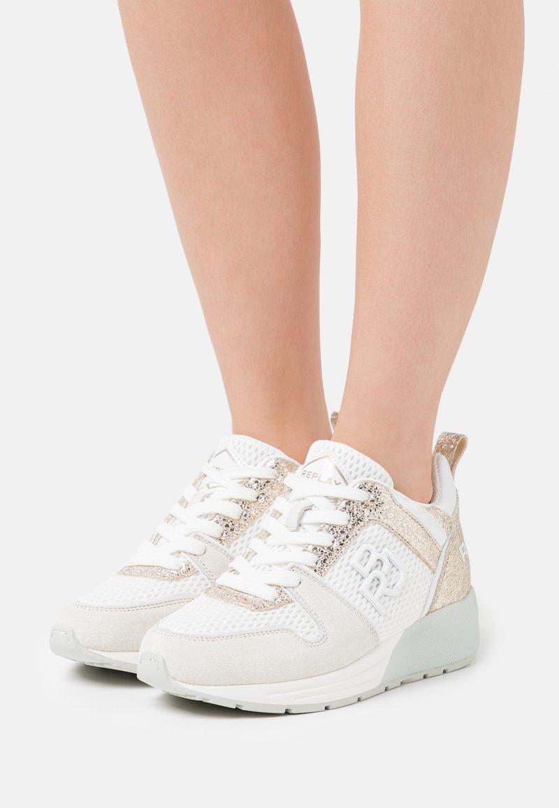 Replay - HENLEY - Trainers - white/platin