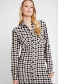 Levete Room - GIULA - Shirt dress - black combi - 4