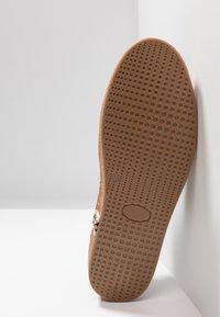 Florsheim - Sneakers laag - dark brown - 4