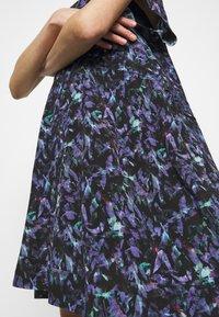 Iro - BAGO DRESS - Denní šaty - black/multicolored - 5
