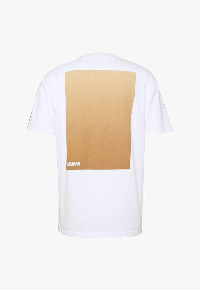 WAWWA UNISEX - T-shirt print - white