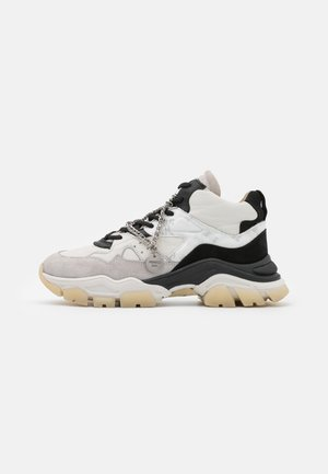 TAYKE OVER - Trainers - off white/black