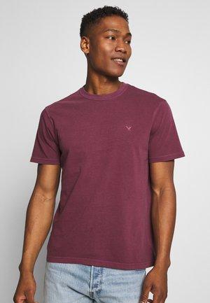 BUTLER  EAGLE - Basic T-shirt - burgundy