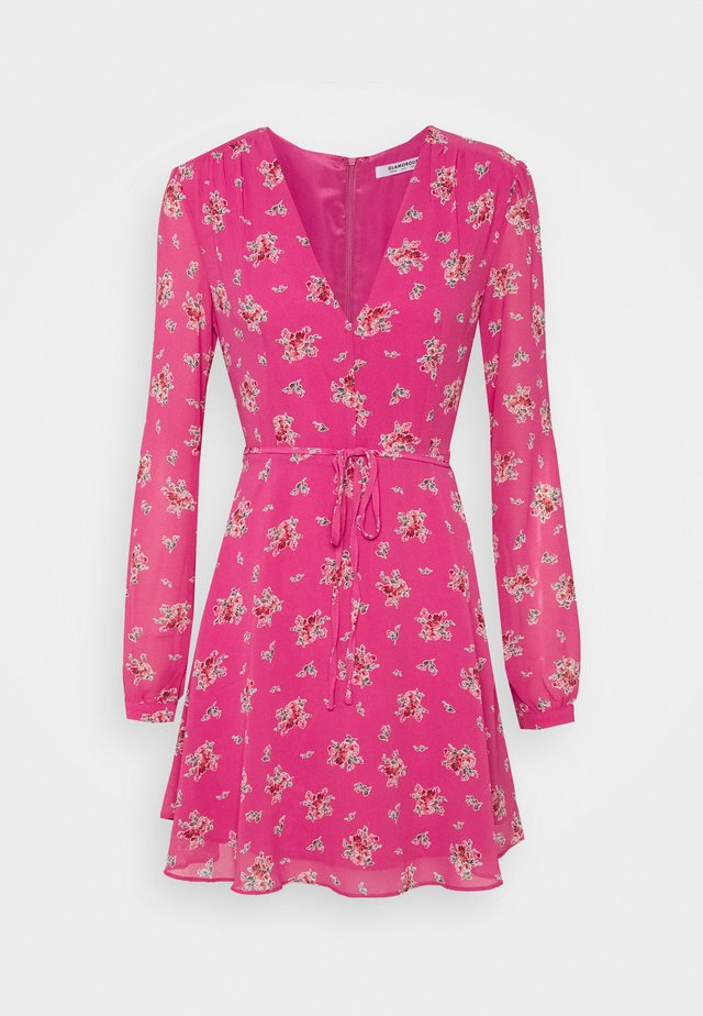 MINI DRESSES WITH LONG SLEEVES LOW V NECK AND FRONT TIE DETAIL - Korte jurk - pink