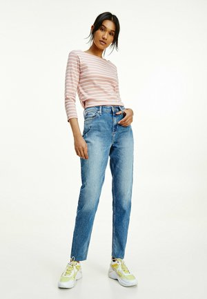 GRAMERCY MOM HIGH RISE  - Jeans Tapered Fit - lay