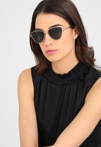 Le Specs - ECHO - Sunglasses - matte gold-coloured/ khaki - 1