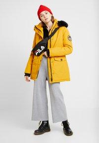 Superdry - ASHLEY EVEREST - Winter coat - amber ochre - 1