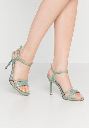 Sandaler med høye hæler - sage