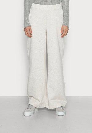 SLFLIESEL WIDE PANT - Trousers - sand