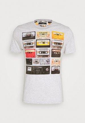 DECADE - Print T-shirt - ecru marl
