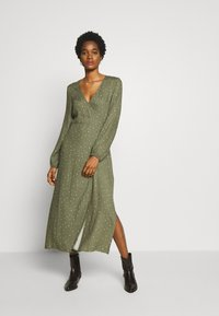 Cotton On - WRAP LONG SLEEVE MIDI DRESS - Kjole - green - 1