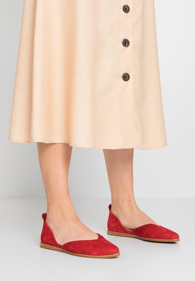 Ballerinat - red