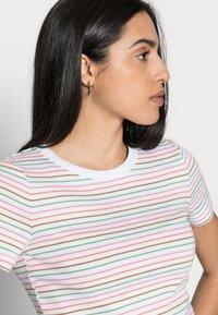 Esprit - Basic T-shirt - white - 3