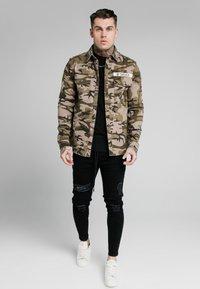 SIKSILK - UTILITY SHIRT JACKET - Summer jacket - khaki - 1