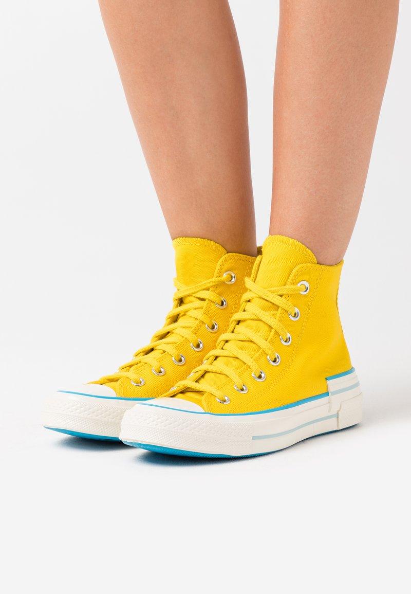 Converse - CHUCK 70 HACKED HEEL - Baskets montantes - speed yellow/sail blue/egret
