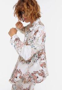 Uterqüe - Button-down blouse - beige - 4