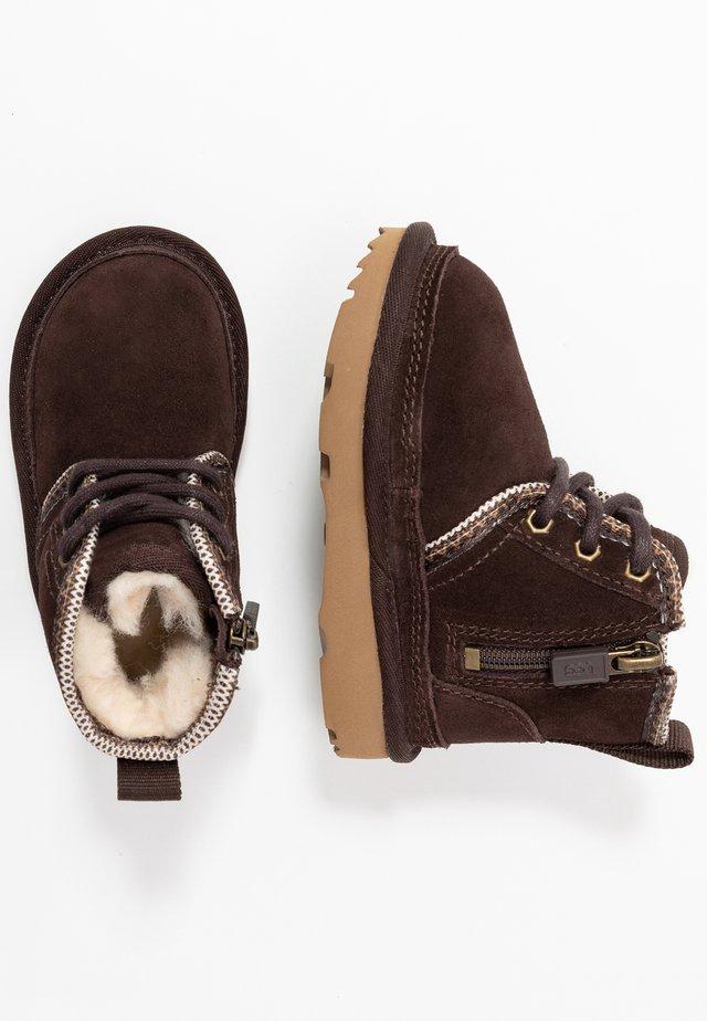 NEUMEL TASMAN - Šněrovací kotníkové boty - coffee bean