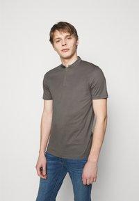 DRYKORN - LOUIS - Basic T-shirt - grey - 0