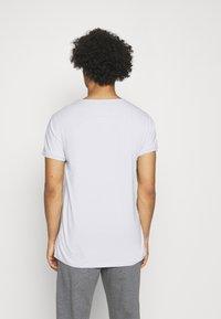 Tigha - WREN - Basic T-shirt - concrete grey - 2