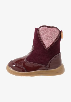 Baby shoes - burgundy