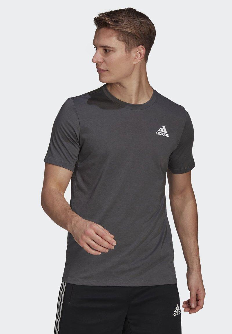 adidas Performance - AEROREADY DESIGNED 2 MOVE SPORT T-SHIRT - T-shirts print - grey