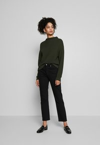 Anna Field - Diagonal jumper with grown on collar - Trui - jungle green - 1
