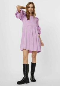 Vero Moda - Hverdagskjoler - violet tulle - 1