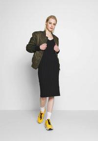 Pieces - PCNING DRESS - Pouzdrové šaty - black - 1