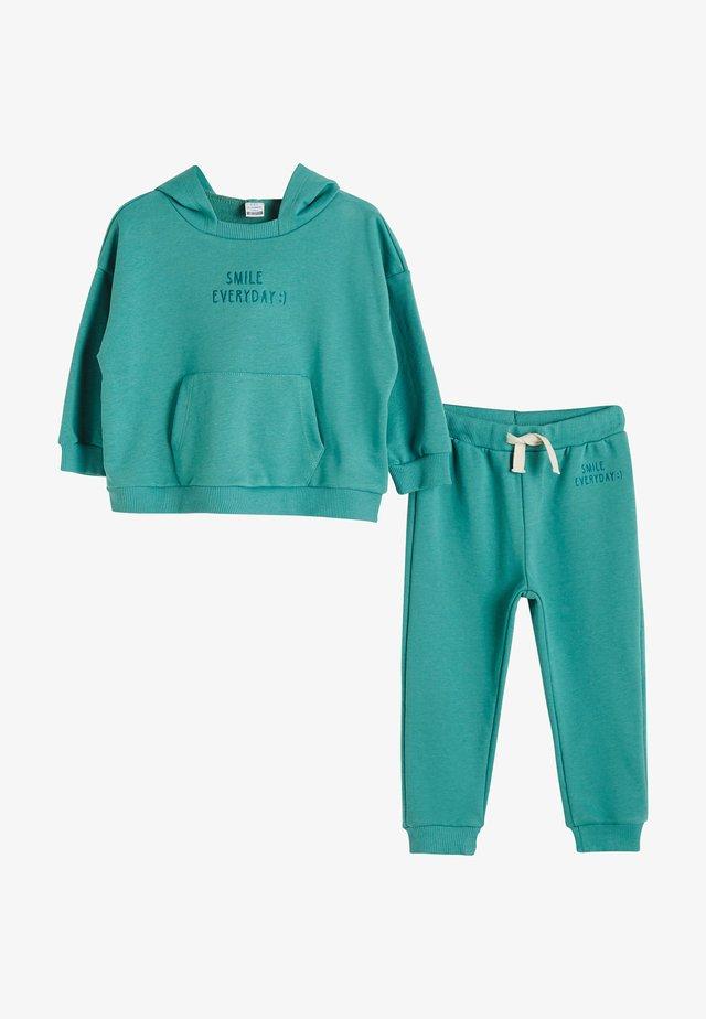 SET - Sweater - green