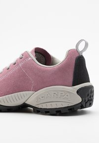 Scarpa - MOJITO UNISEX - Hiking shoes - cipria - 5