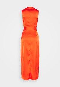 Never Fully Dressed - TANGERINE SLEEVELESS WRAP DRESS - Vestido de cóctel - tangerine - 1