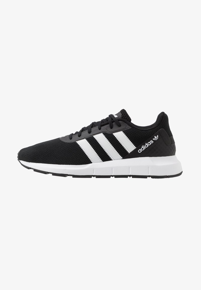 adidas Originals - SWIFT RUN - Tenisky - core black/footwear white