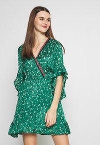 Billabong - LOVE LIGHT - Sukienka letnia - emerald - 0
