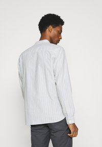 Selected Homme - SLHSLIMMILTON STRIPES - Formal shirt - grey - 2