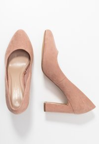 Dorothy Perkins Wide Fit - WIDE FIT DIANA ROUND TOE METAIL BLOCK - Szpilki - blush - 3