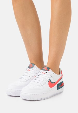 AIR FORCE 1 SHADOW - Sneakers laag - white/dark teal green/solar red
